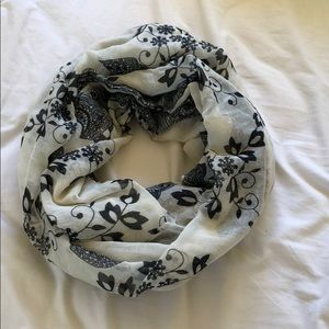 Accessories - Black and white infinity scarf with floral print
